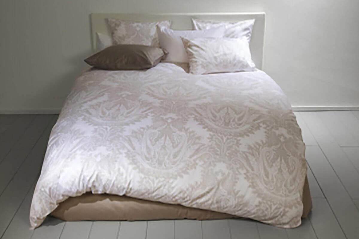 fischbacher renaissance bettwaren sleeping art schlafkonzepte. Black Bedroom Furniture Sets. Home Design Ideas